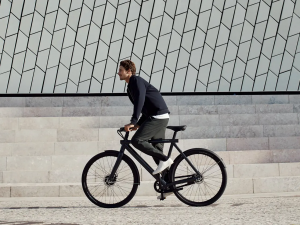VanMoof offers high tech electric bicycles and has a mission to redefine city mobility forever